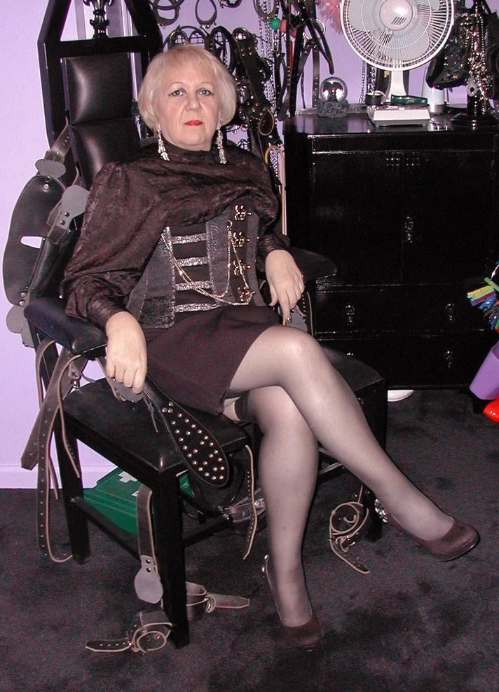 Granny In Domination 115